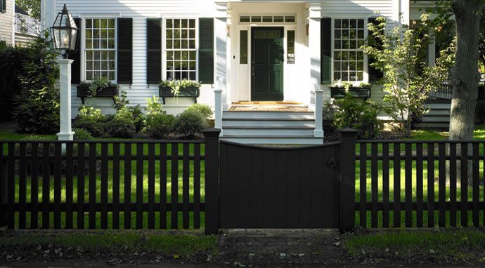 Benjamin Moore's midnight (2131-20) paint color gives this fence a new twist.