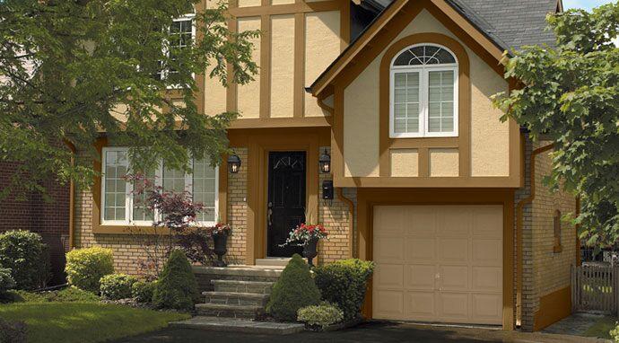Garage doors painted in benjamin moore s everlasting 1038 enhance
