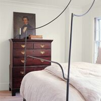 A bedroom painted hanover white (DC-37)