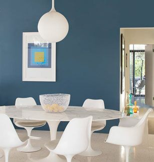Benjamin Moore Blue Danube 2062-30 in ben Eggshell